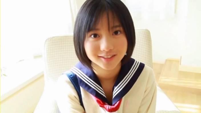石田果子_ジュニアアイドル_美少女_ショートカット_いちごキャンディ_001